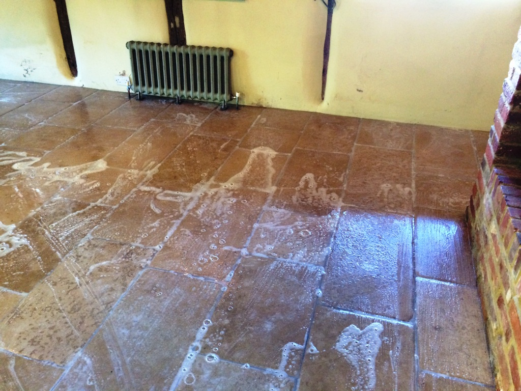 Waterleak Stains on Limestone Tiles Slough During Cleaning
