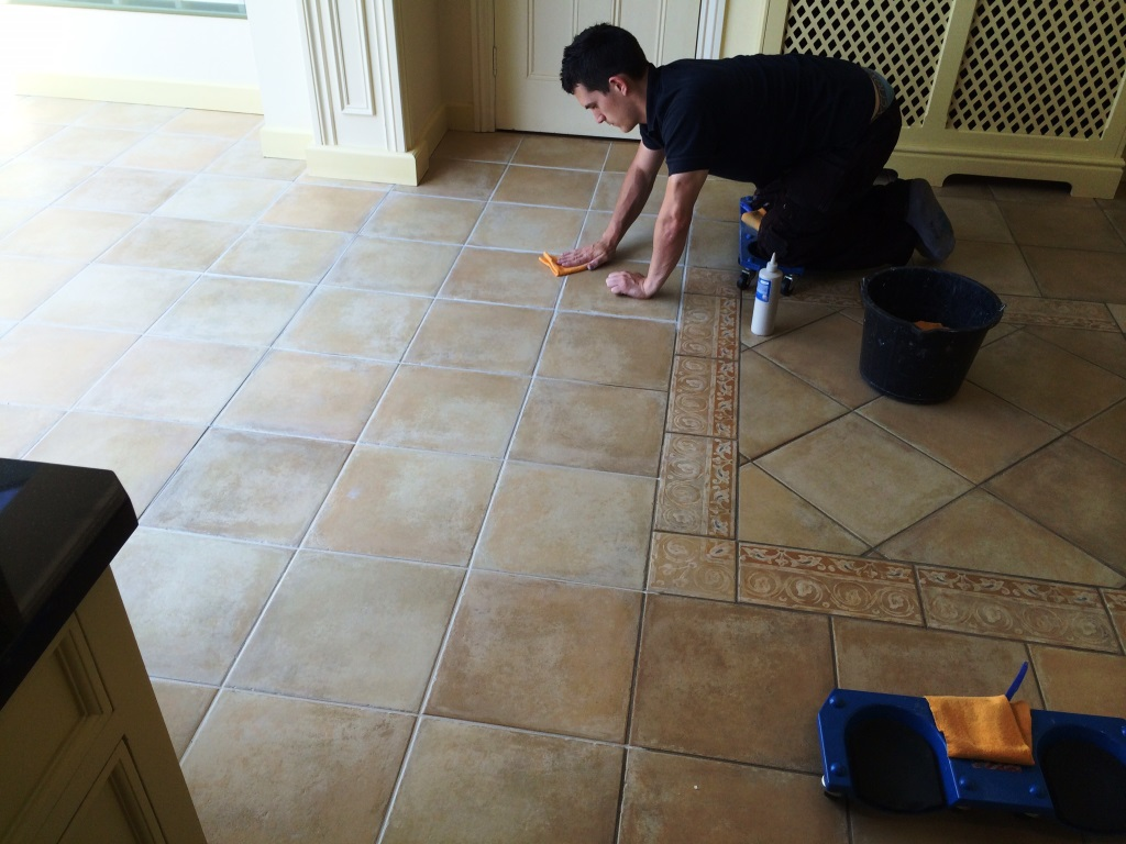 How to clean grouting in floor tiles